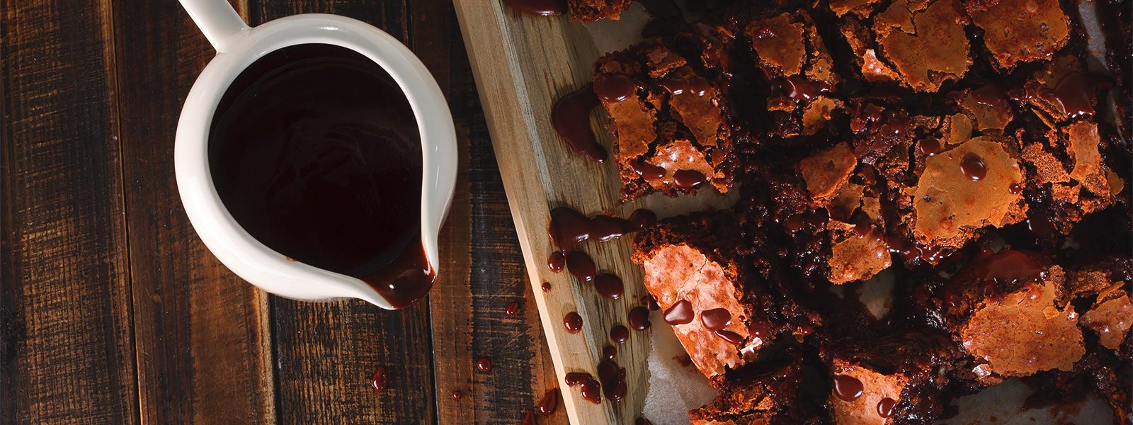 брауни и горячий шоколад